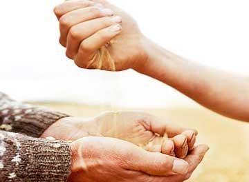 چرا رزق و روزی ام کم شده است؟ درمان فقر و دعای رزق و روزی